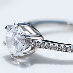 Sterling silver 1 carat cubic zirconia ring